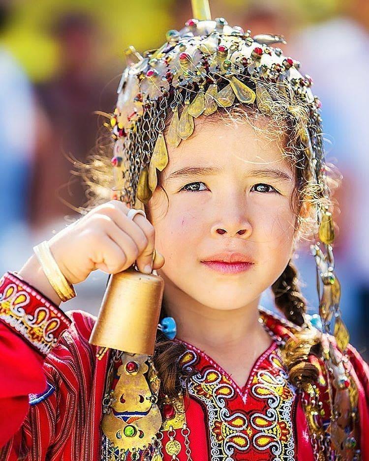 گفتگو با شاعر مشهور ترکمن منصور طبری به مناسبت روز جهانی زبان مادری