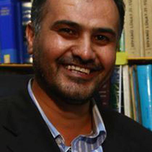 گفتگو با محمود عطاگزلی عضو تیم تهیه کننده نرم افزار موبایلی دیوان اشعار مختومقلی فراغی