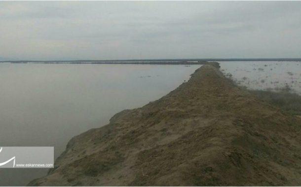 شکست دیواره شرقی تالاب اینچه و حرکت پساب آلوده به رسوبات نمکی به سوی زمین های کشاورزی و مراتع